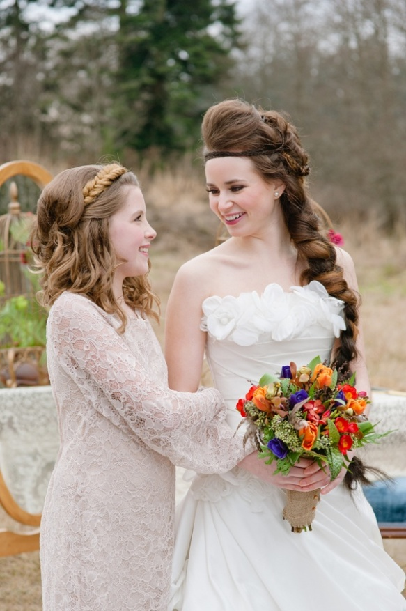 I think the bride even resembles Katniss a little bit!