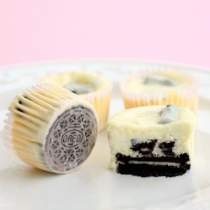 Two of my favorite things: Oreo and cheesecake.
