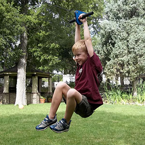 1a89_kids_zipline_outdoor_fun_inuse