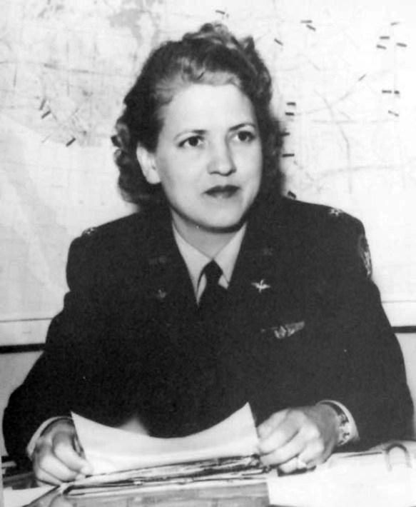 Jacqueline_Cochran_1943