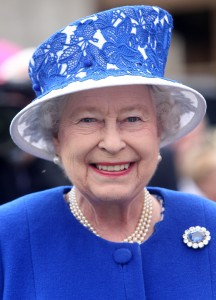 BALMORAL, UNITED KINGDOM - AUGUST 07: Queen Elizabeth II attends a Garden Party at Balmoral Castle, on August 07, 2012 in Aberdeenshire, Scotland.  (Photo by David Cheskin - WPA Pool/Getty Images)