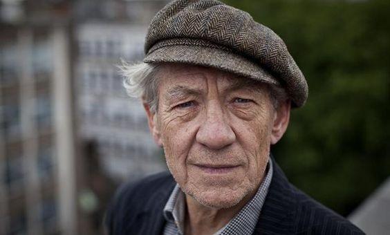 Fan Girl Friday Sir Ian McKellen hosting bus tours of London