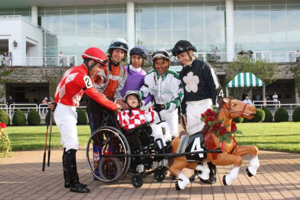 gallery-1508268074-anthony-horse-race
