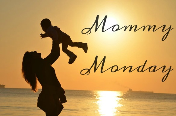 Mommy Monday Header Beach